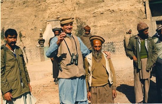 640px-Charlie_Wilson_with_Afghan_man.jpg