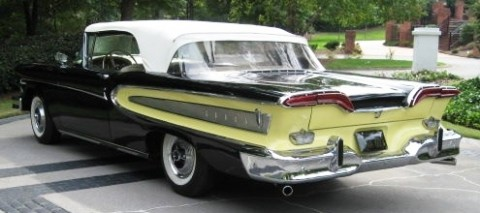 Rear view of the Edsel pictured above.